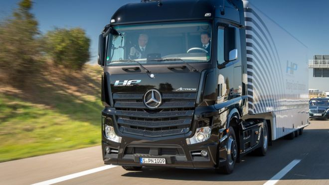 Budget 2016: Driverless lorries get UK trials