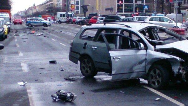 Berlin car bomb explosion kills driver