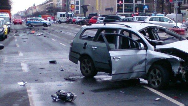 Berlin car bomb explosion kills driver
