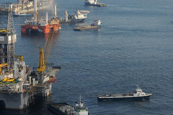 Oil competition grows on both U.S. shorelines