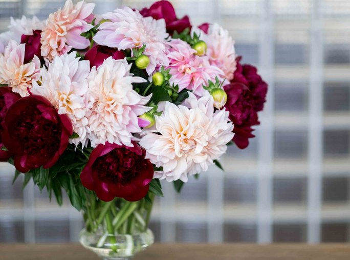 3 Gorgeous Peony Arrangement Ideas You'll Want to Create All Summer Long