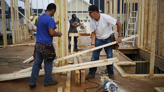 Homebuilder stocks rise on strong housing data