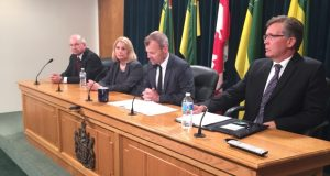 Saskatchewan's health minister tasks panel to reduce health regions