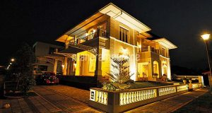 Ever seen a house with a Spanish touch? Check out this house in Thrissur…