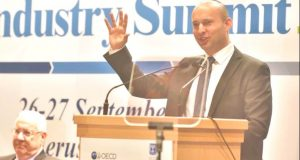 Bennett to OECD education ministers: We can transform the world