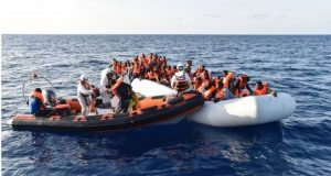 Migrant crisis: 'Hundreds dead' in shipwrecks off Libya